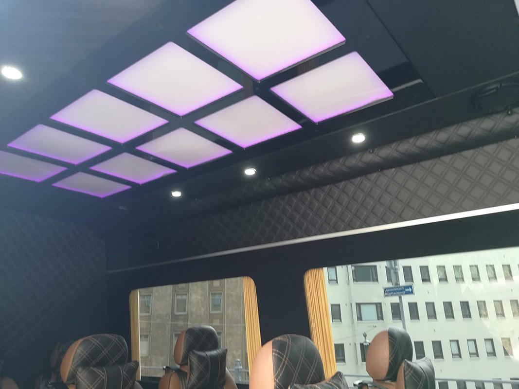 Easyrent luksus minibussi kattoverhoilu