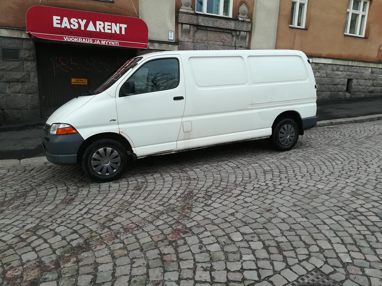 Valkoinen Pakettiauto